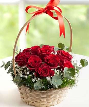 Aşk Sepeti 11 Kırmızı Gül